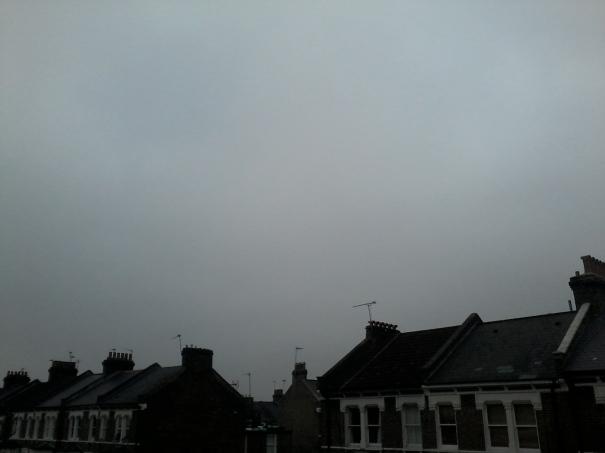 Eclipse solar en Londres = más nubes. /Tamara Velázquez - www.conlaplumaenbandeja.com